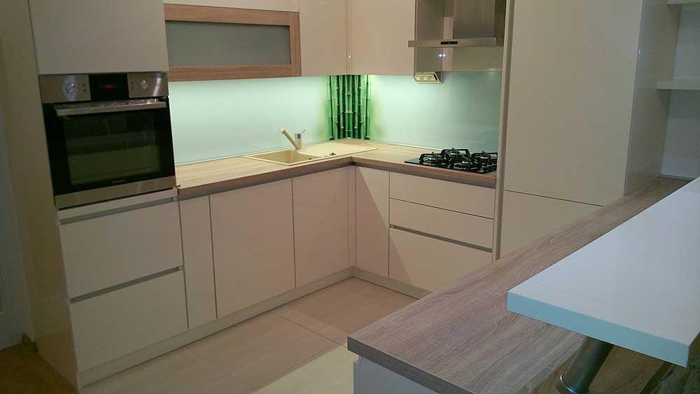 bijele kuhinje po mjeri 20170808210210 zanimljive ideje za dizajn svoj dom. Black Bedroom Furniture Sets. Home Design Ideas